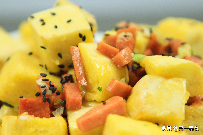 剩馒头怎么做才好吃 厨师长分享香酥可口黄金馍丁做法