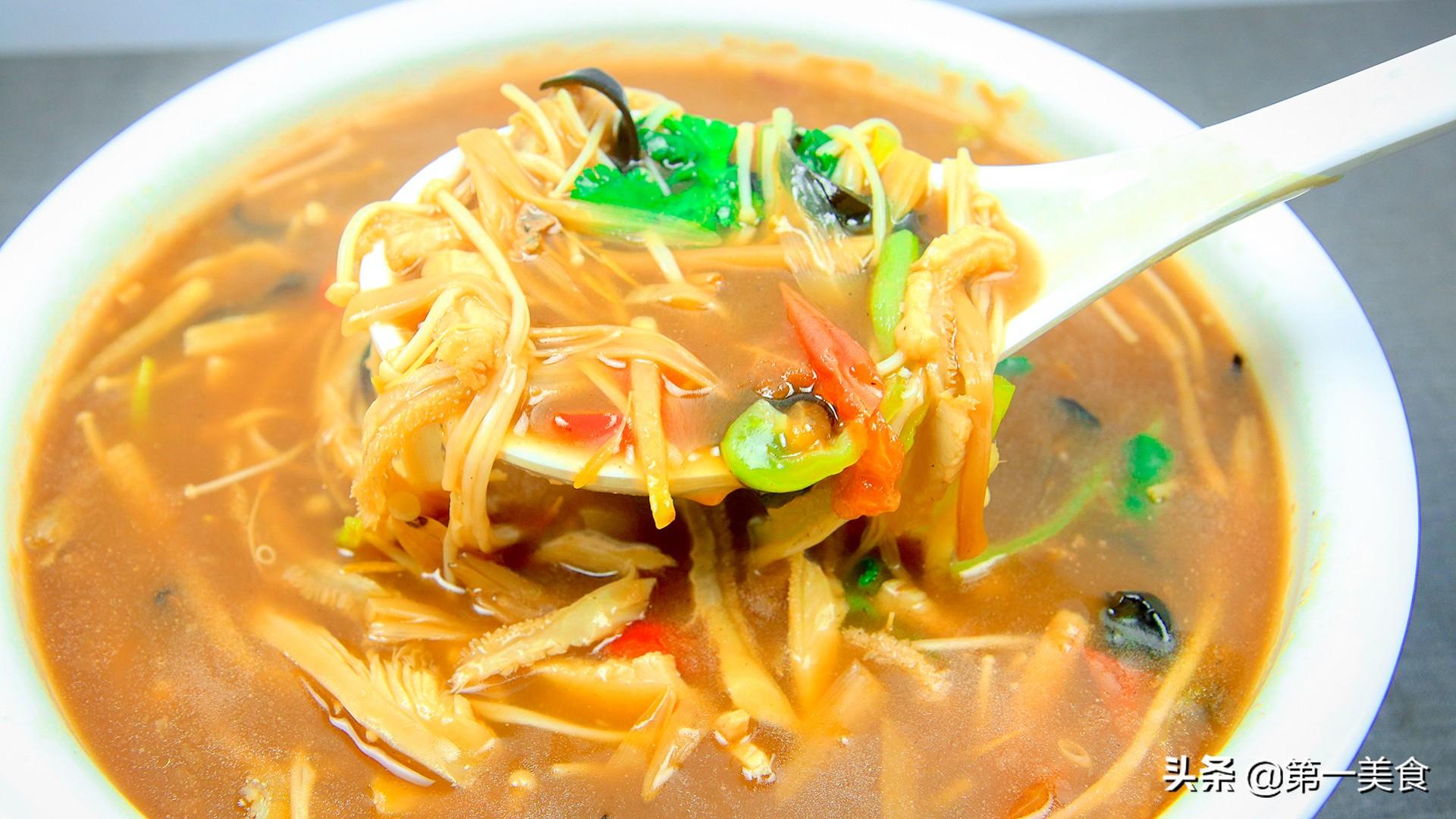 厨师长分享河南名菜酸辣肚丝汤 学会这些小技巧 想不好喝都难