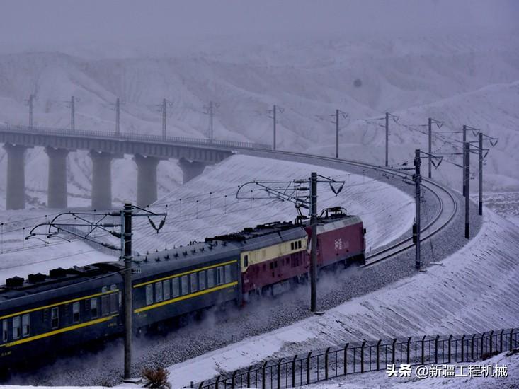 格库铁路新疆段全面竣工