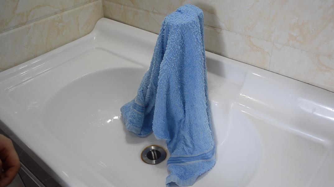毛巾髒了不用開水煮? 教你一個方法,清洗完乾淨又除菌,長見識了