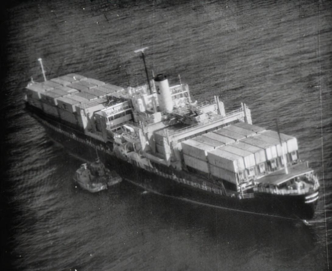 美国间谍船刚撤离越南,却被柬埔寨扣押,美海军直接派出航母营救